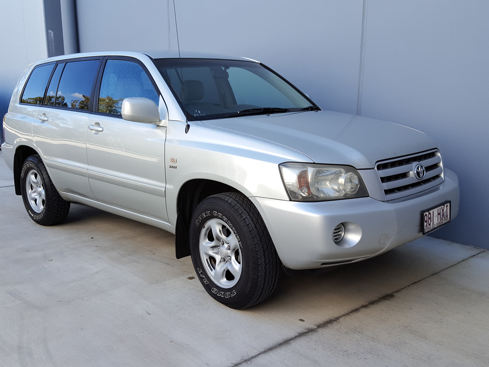sold 2003 toyota kluger 4x4 7 seater suv wagon used vehicle sales. Black Bedroom Furniture Sets. Home Design Ideas