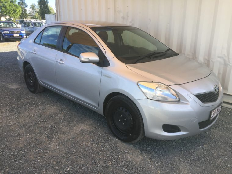 Toyota Yaris Sedan 2010