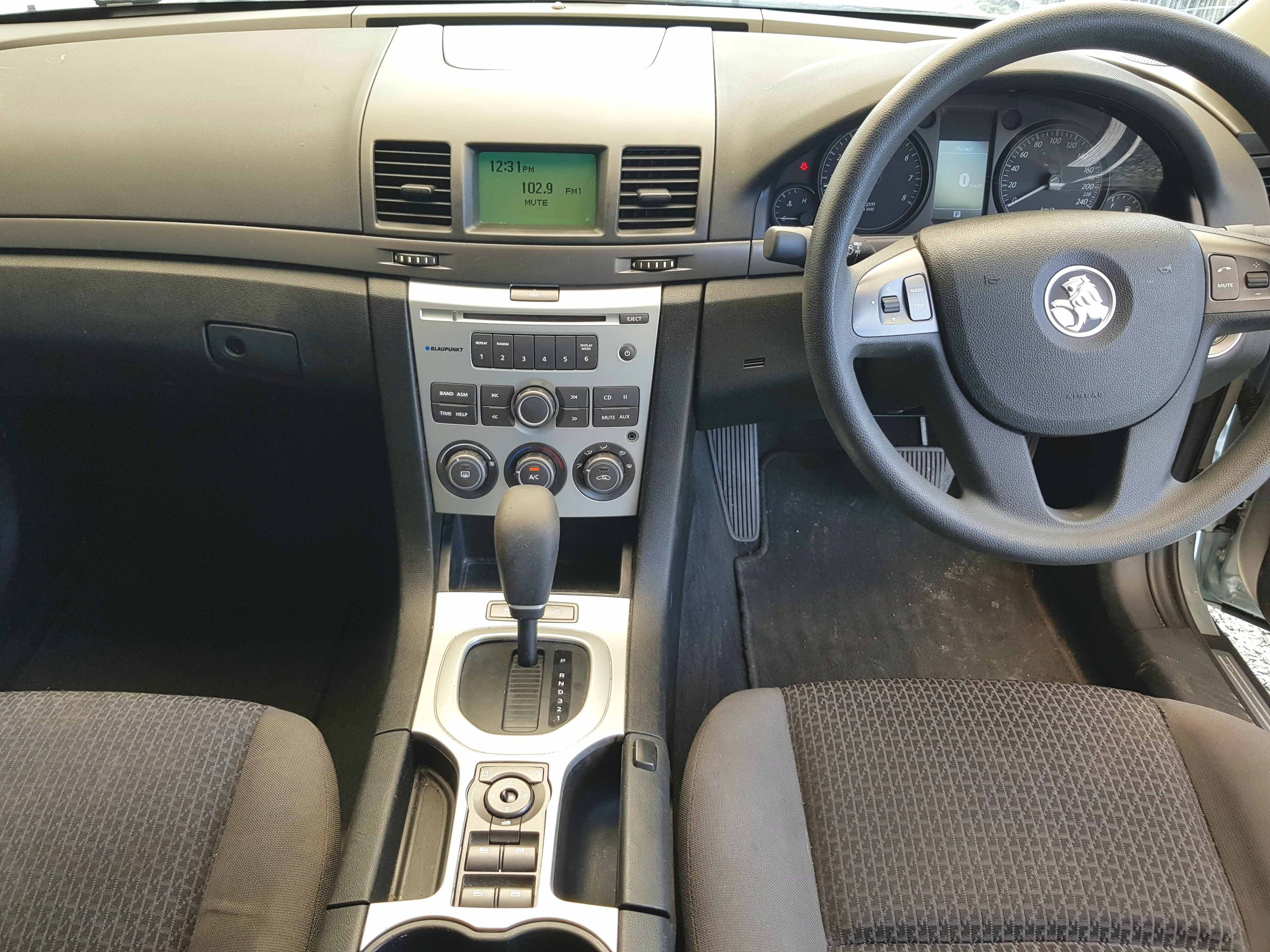 Automatic-Cars-Holden-Commodore-Sedan-2009-for-sale-13