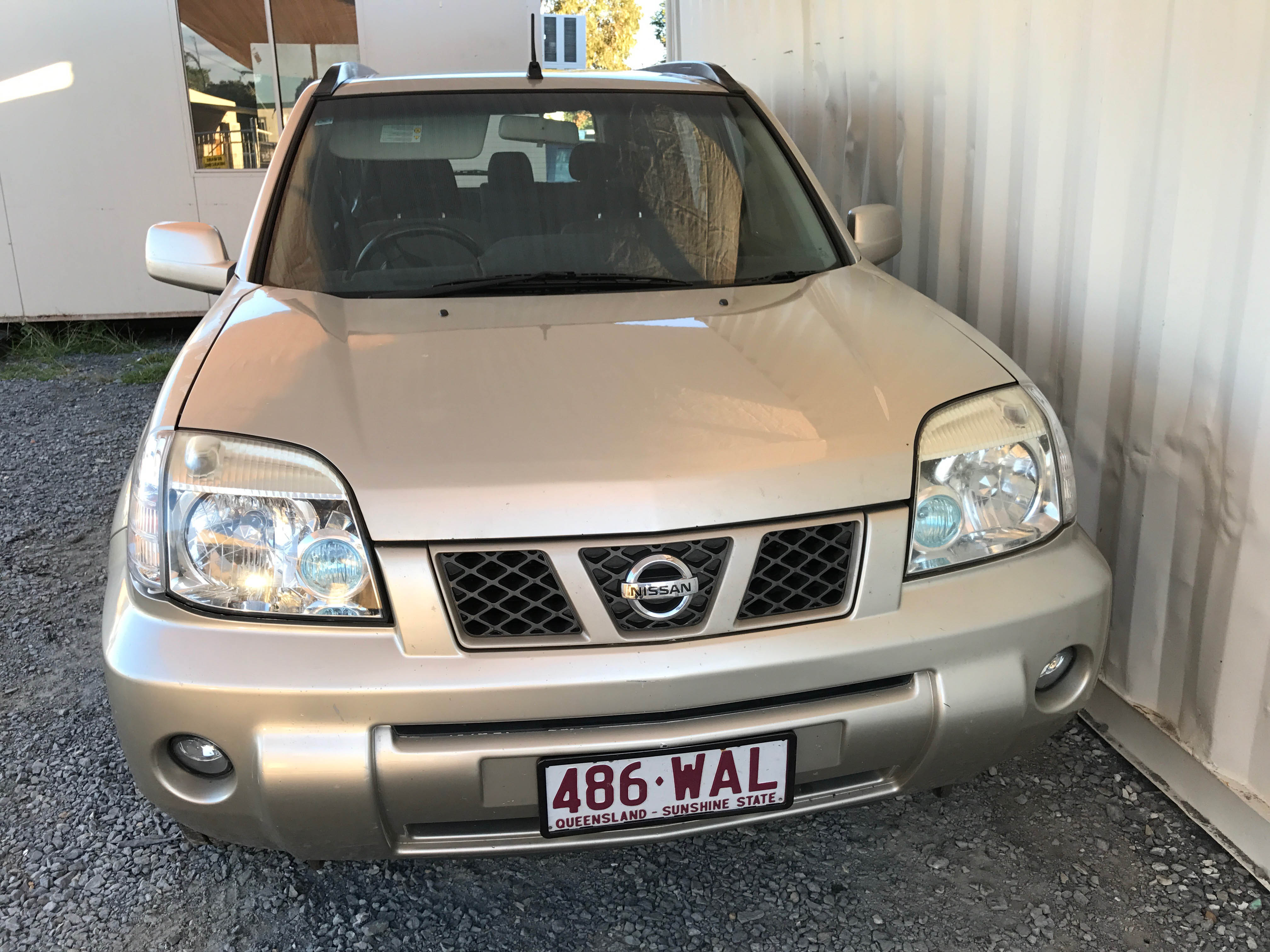 Cheap-Cars-Nissan-Xtrail-Gold-2006-for-sale-2