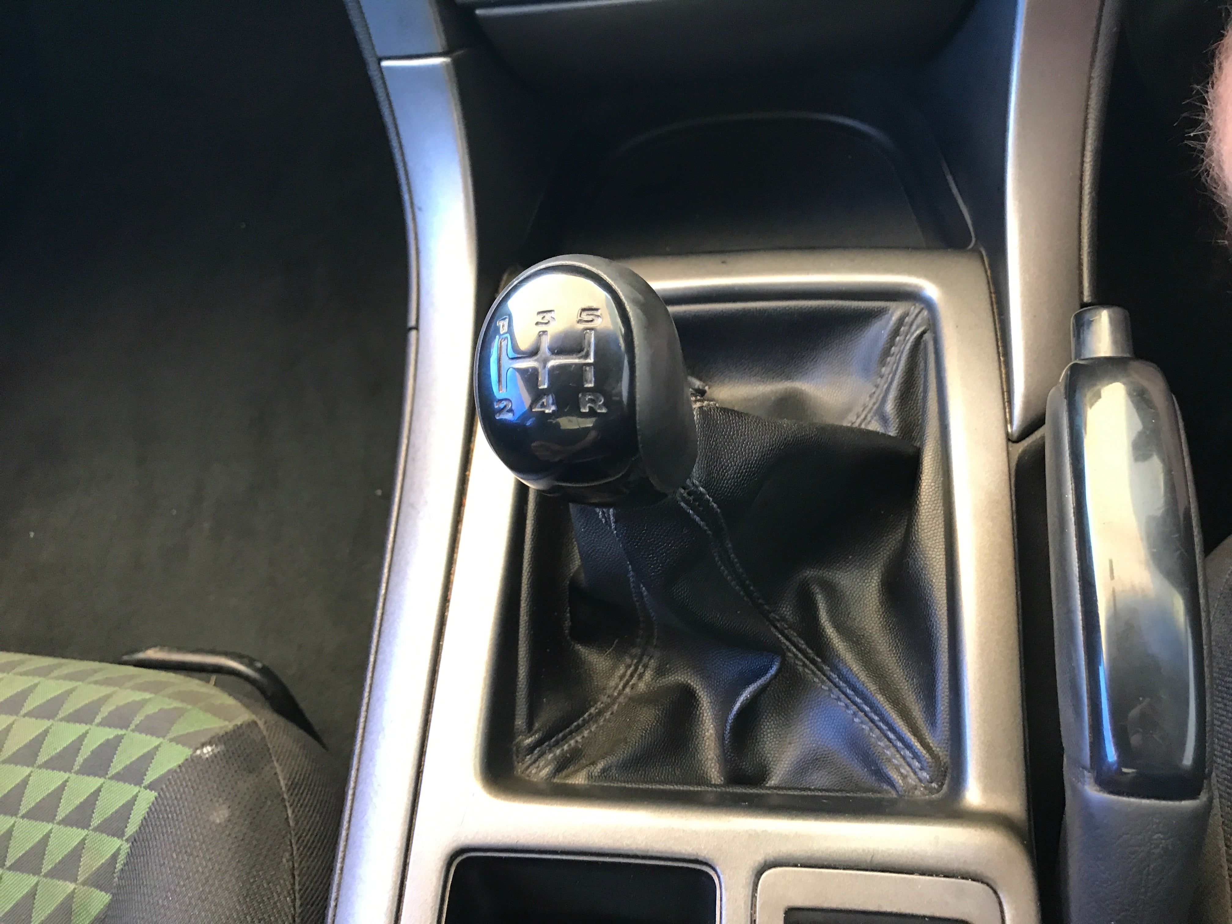 Manual Commodore Ute VY 6 cylinder with hardlid 2003 for sale 13-min