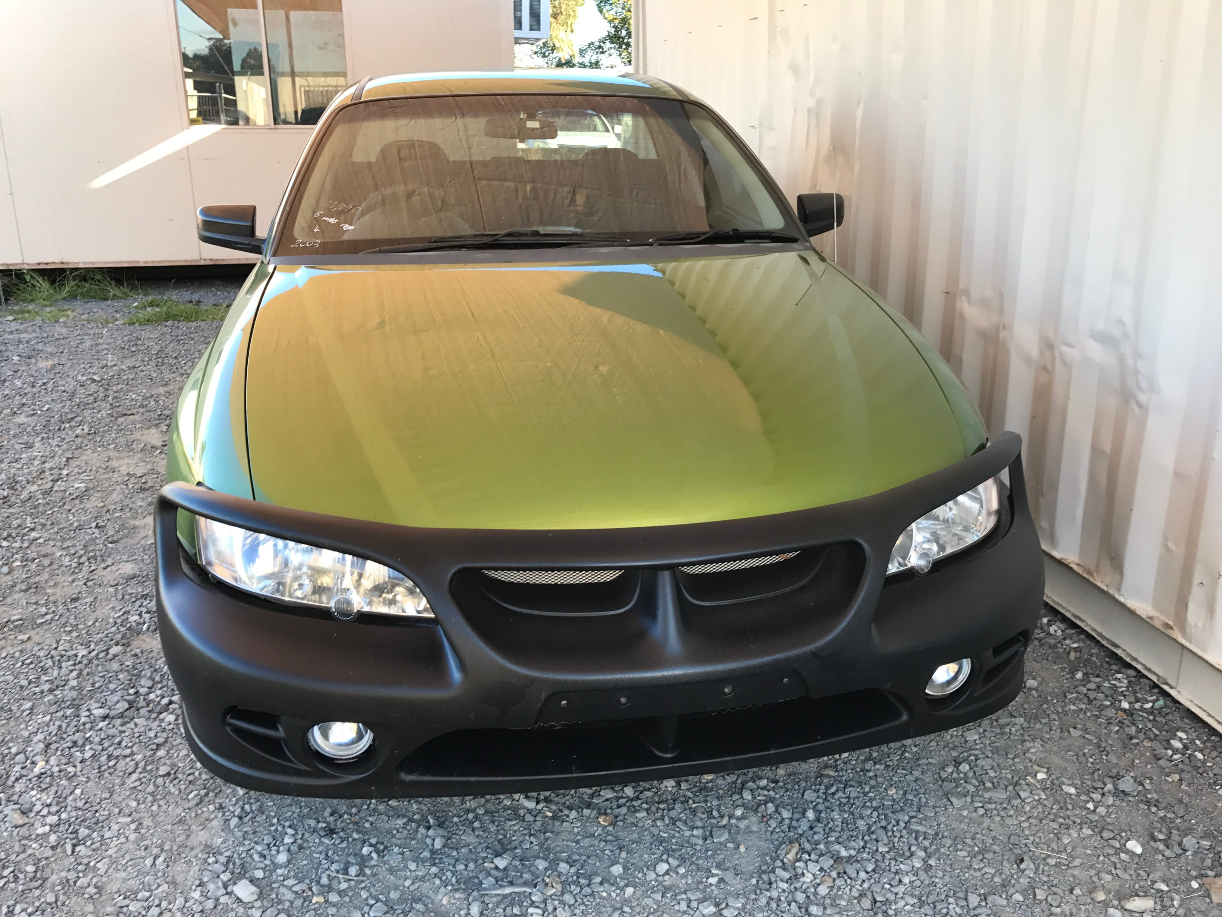 Manual Commodore Ute VY 6 cylinder with hardlid 2003 for sale 2-min