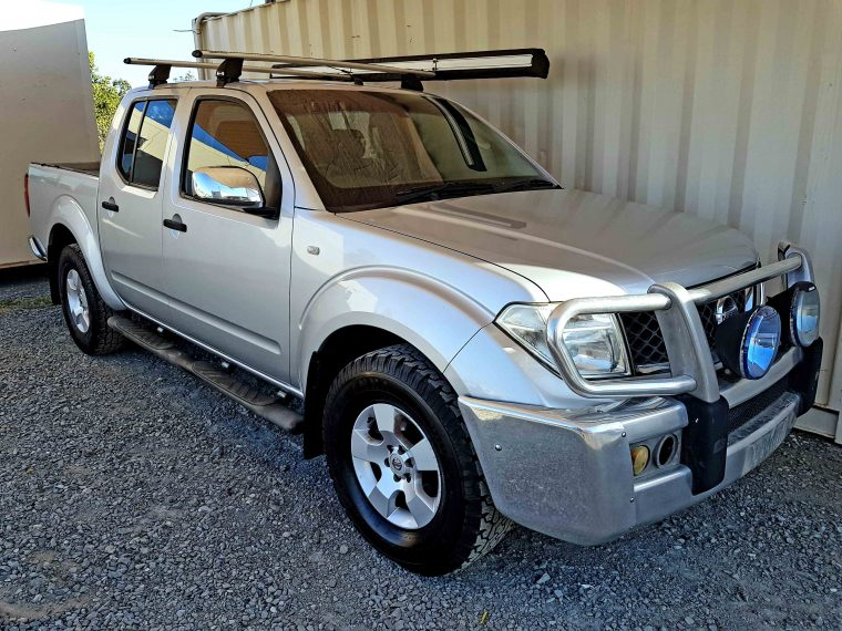Automatic-Cars-06-Nissan-Navara-D40-Silver-For-Sale-1