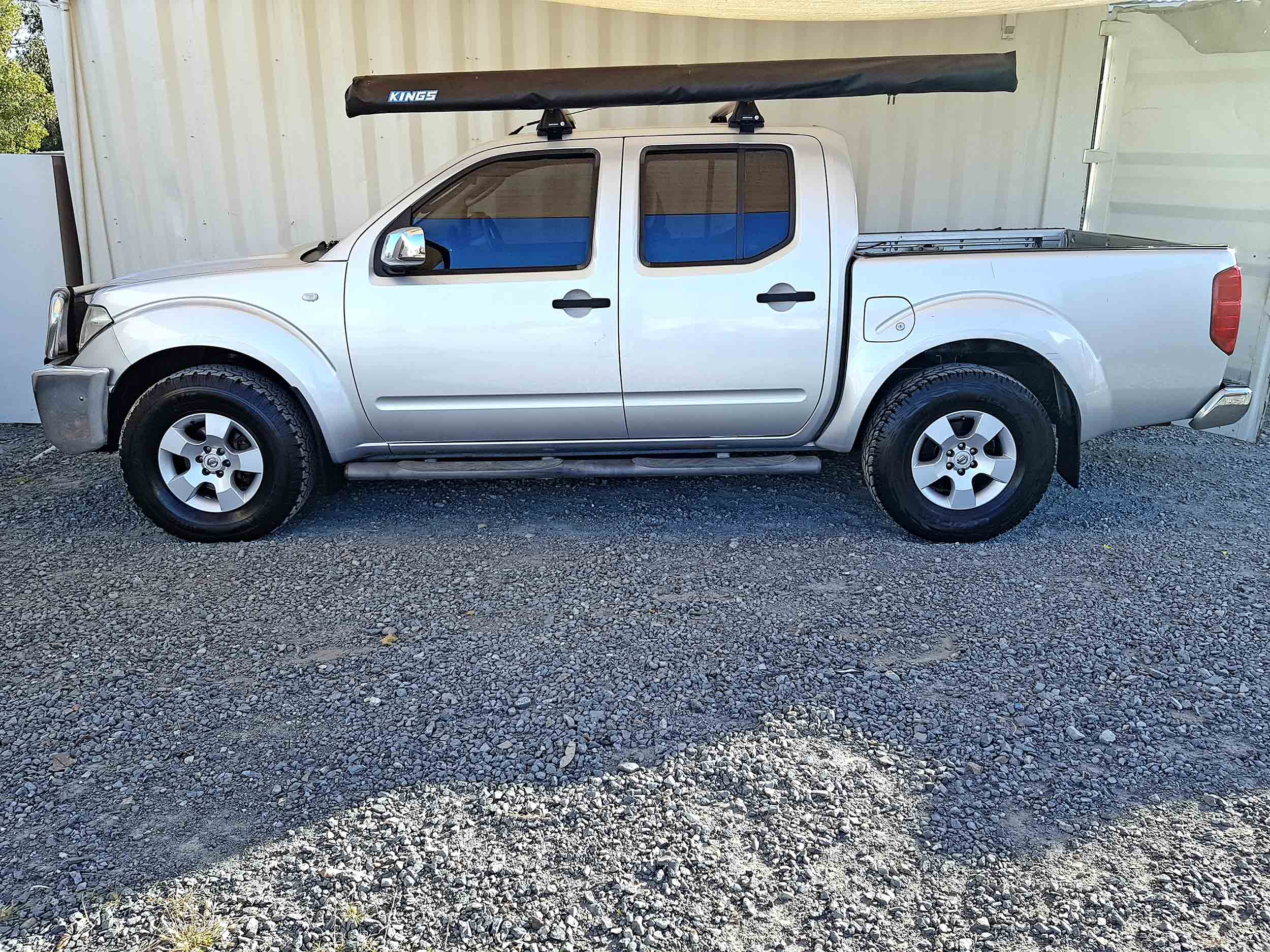 Automatic-Cars-06-Nissan-Navara-D40-Silver-For-Sale-4