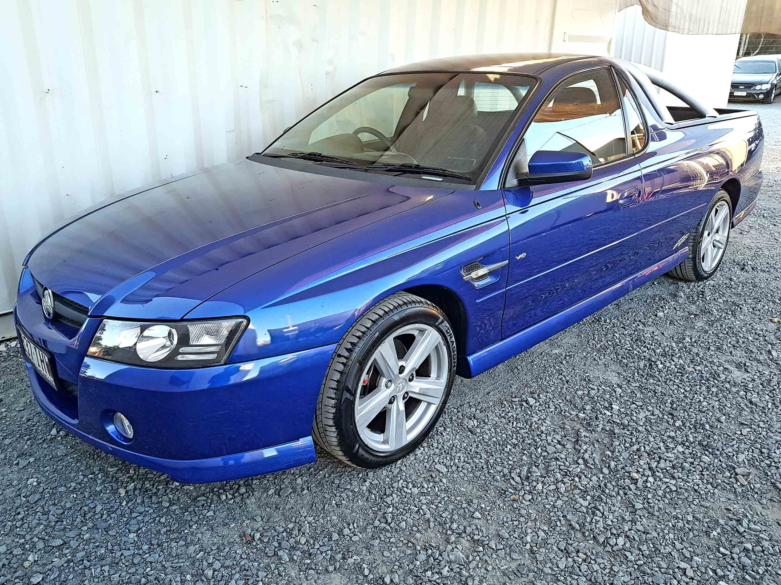 Automatic-Cars-Holden-Commodore-UTE-2004-for-sale-03