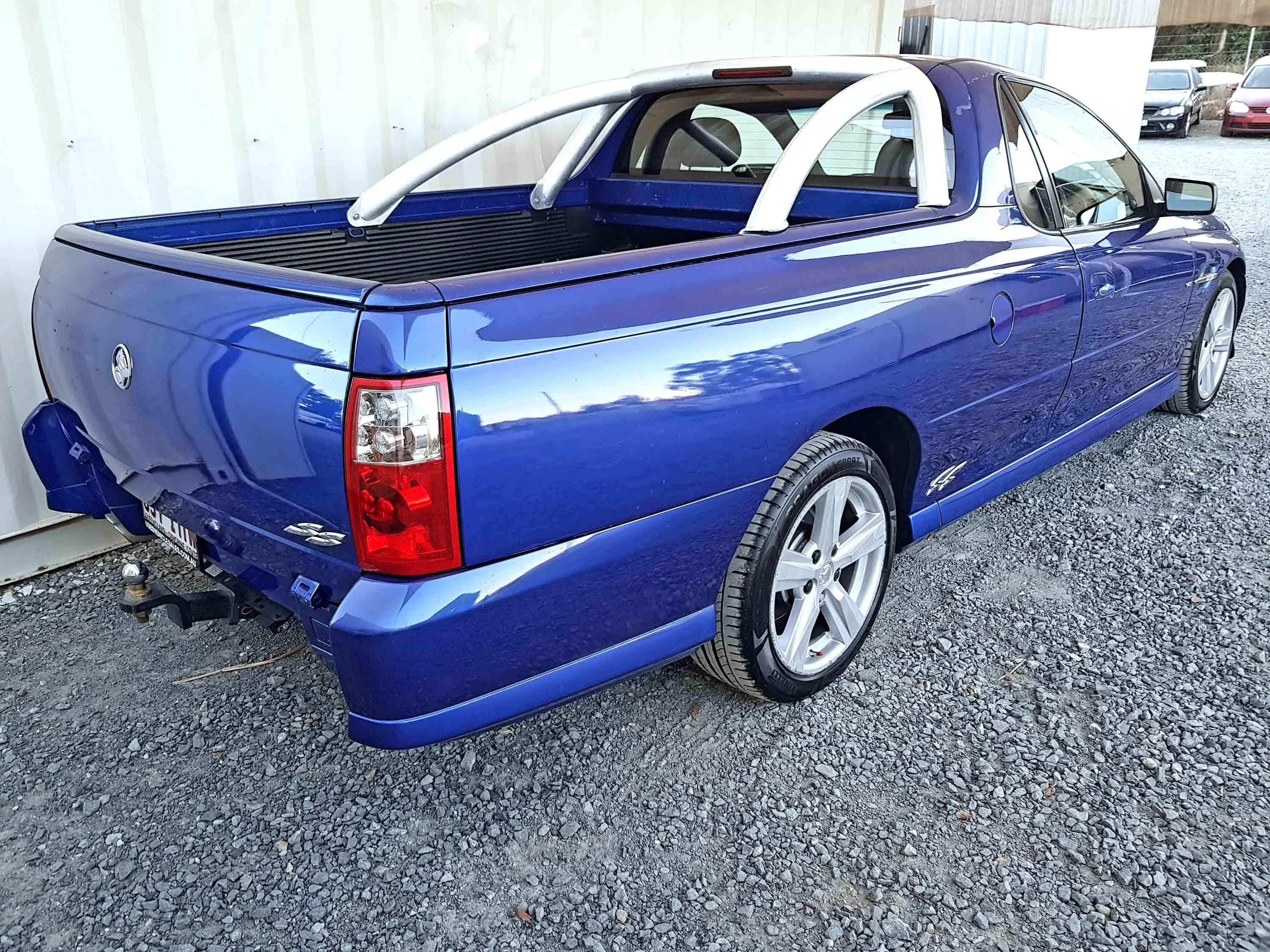 Automatic-Cars-Holden-Commodore-UTE-2004-for-sale-7
