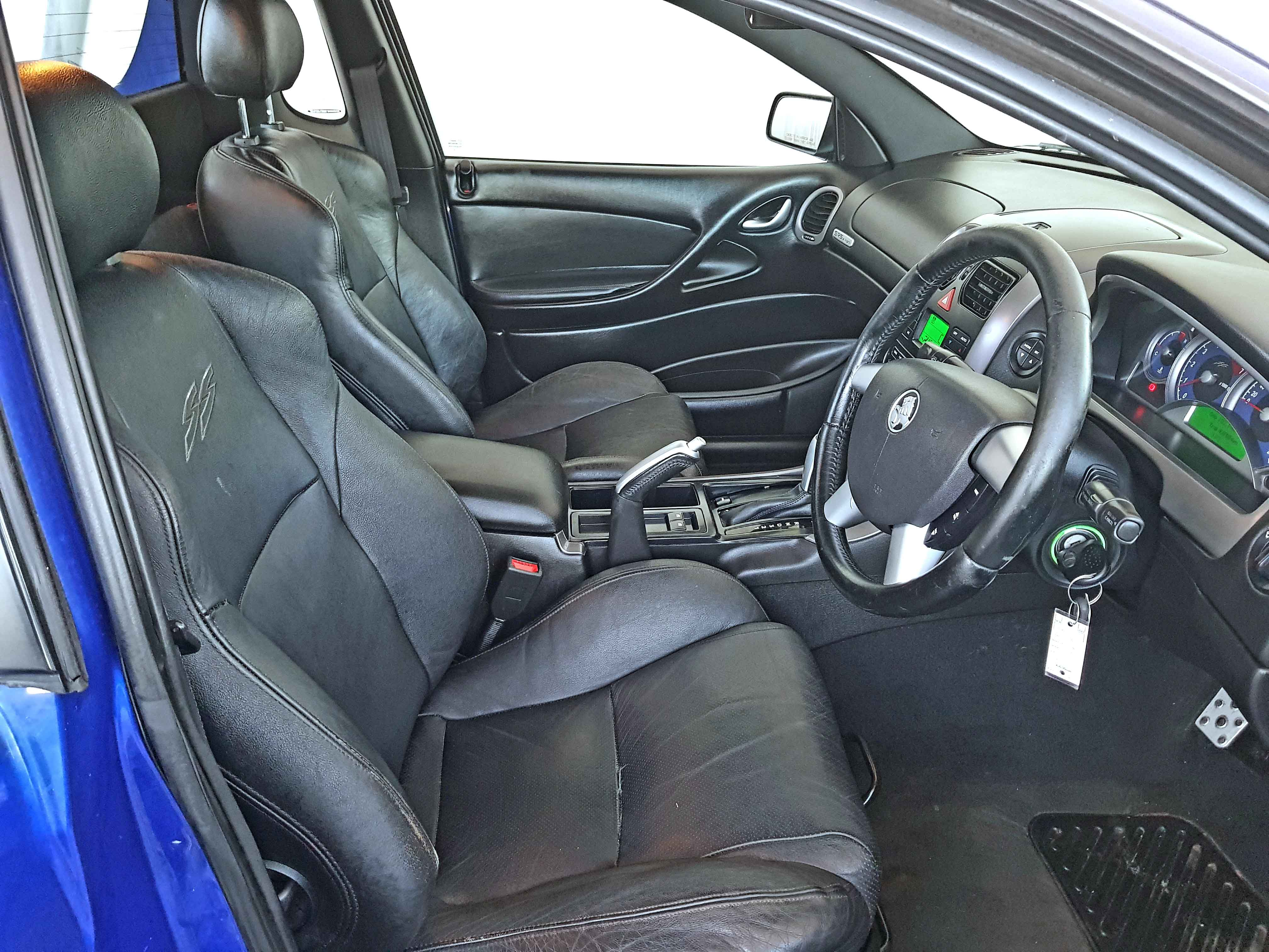Automatic-Cars-Holden-Commodore-UTE-2004-for-sale-9