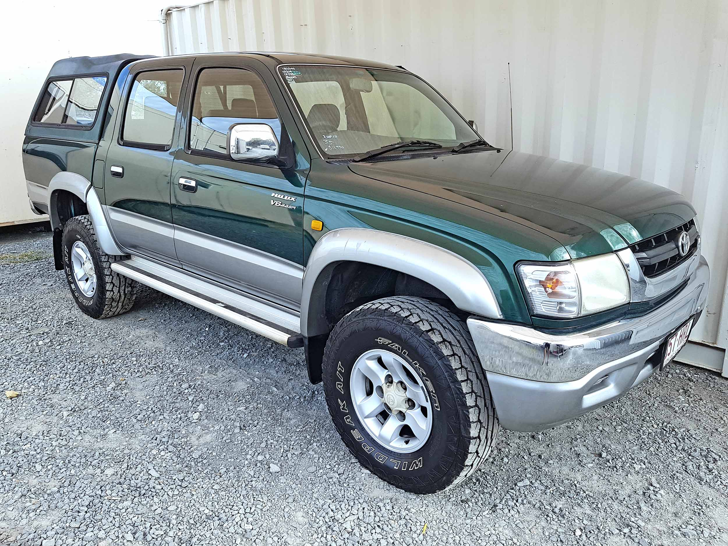 Automatic-Cars-Toyota-Hilux-2004-For-Sale-2004-1