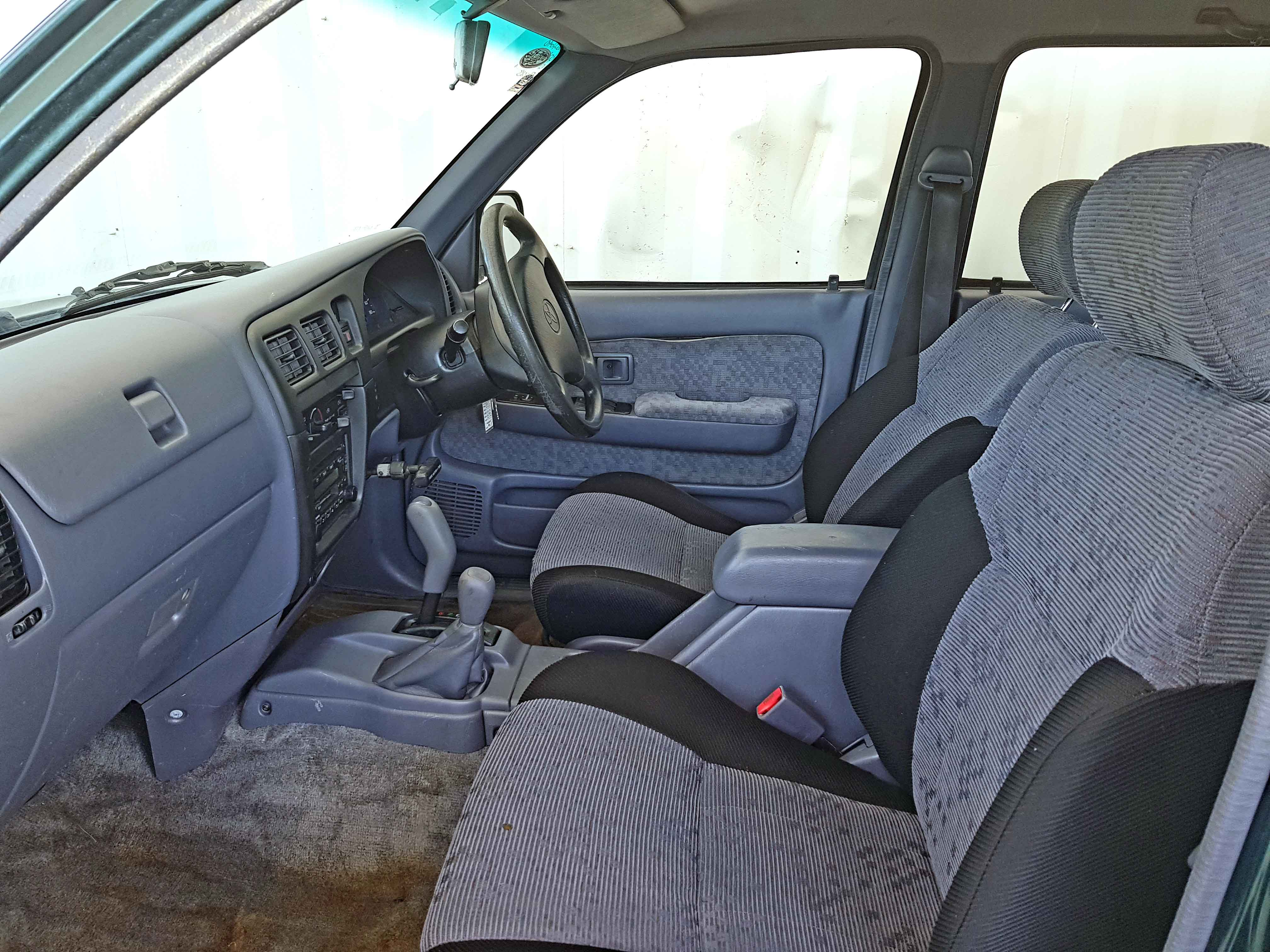 Automatic-Cars-Toyota-Hilux-2004-For-Sale-2004-13