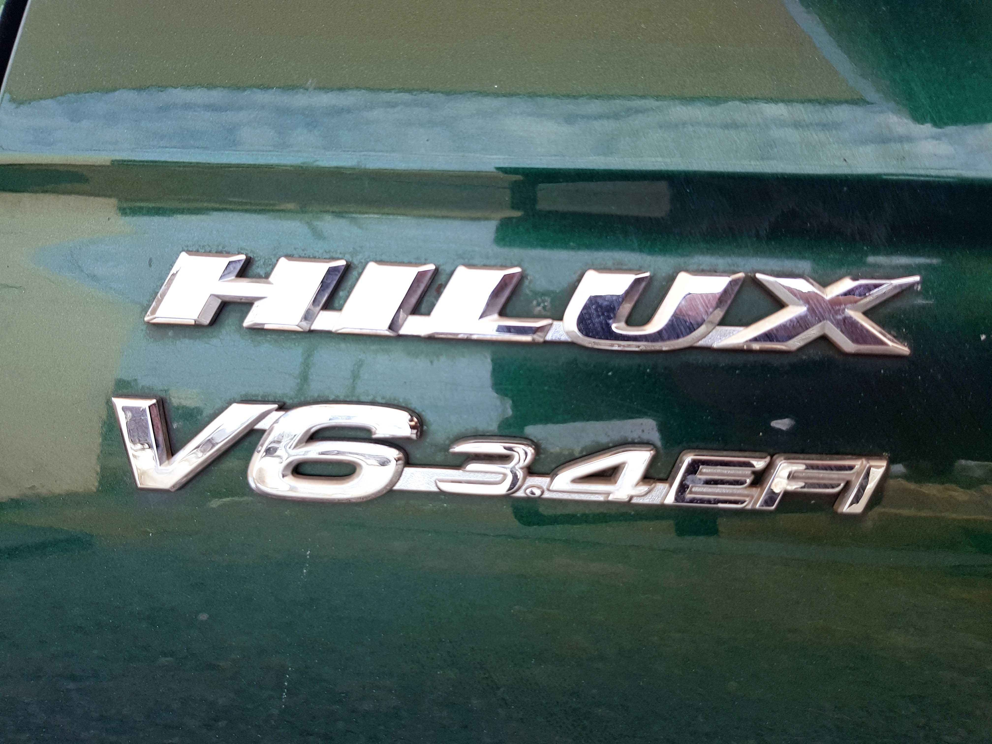 Automatic-Cars-Toyota-Hilux-2004-For-Sale-2004-17