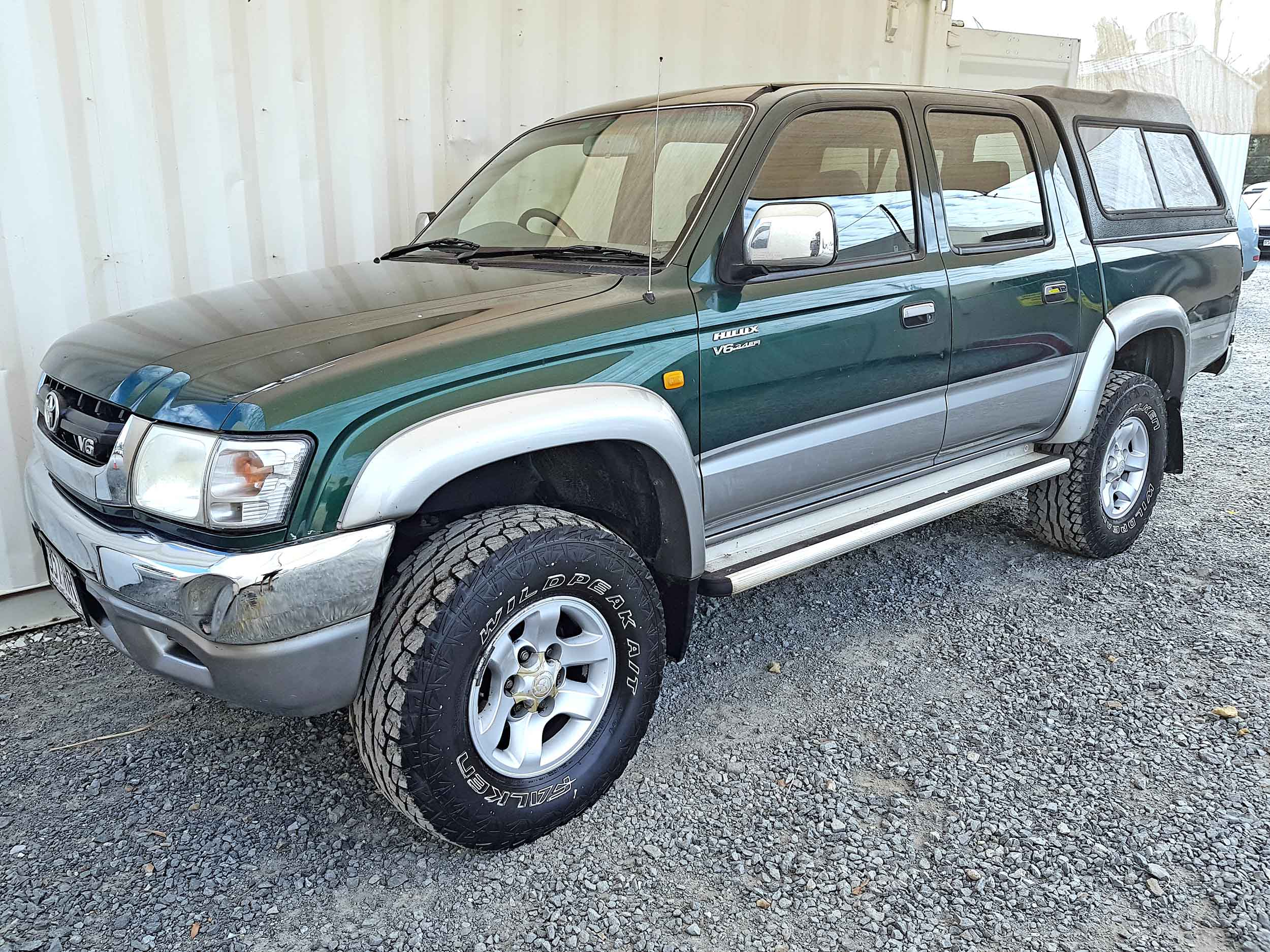Automatic-Cars-Toyota-Hilux-2004-For-Sale-2004-3