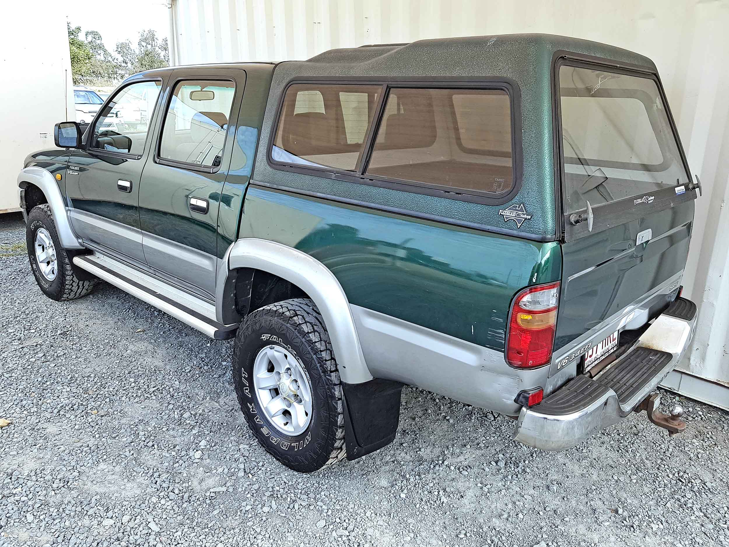 Automatic-Cars-Toyota-Hilux-2004-For-Sale-2004-5