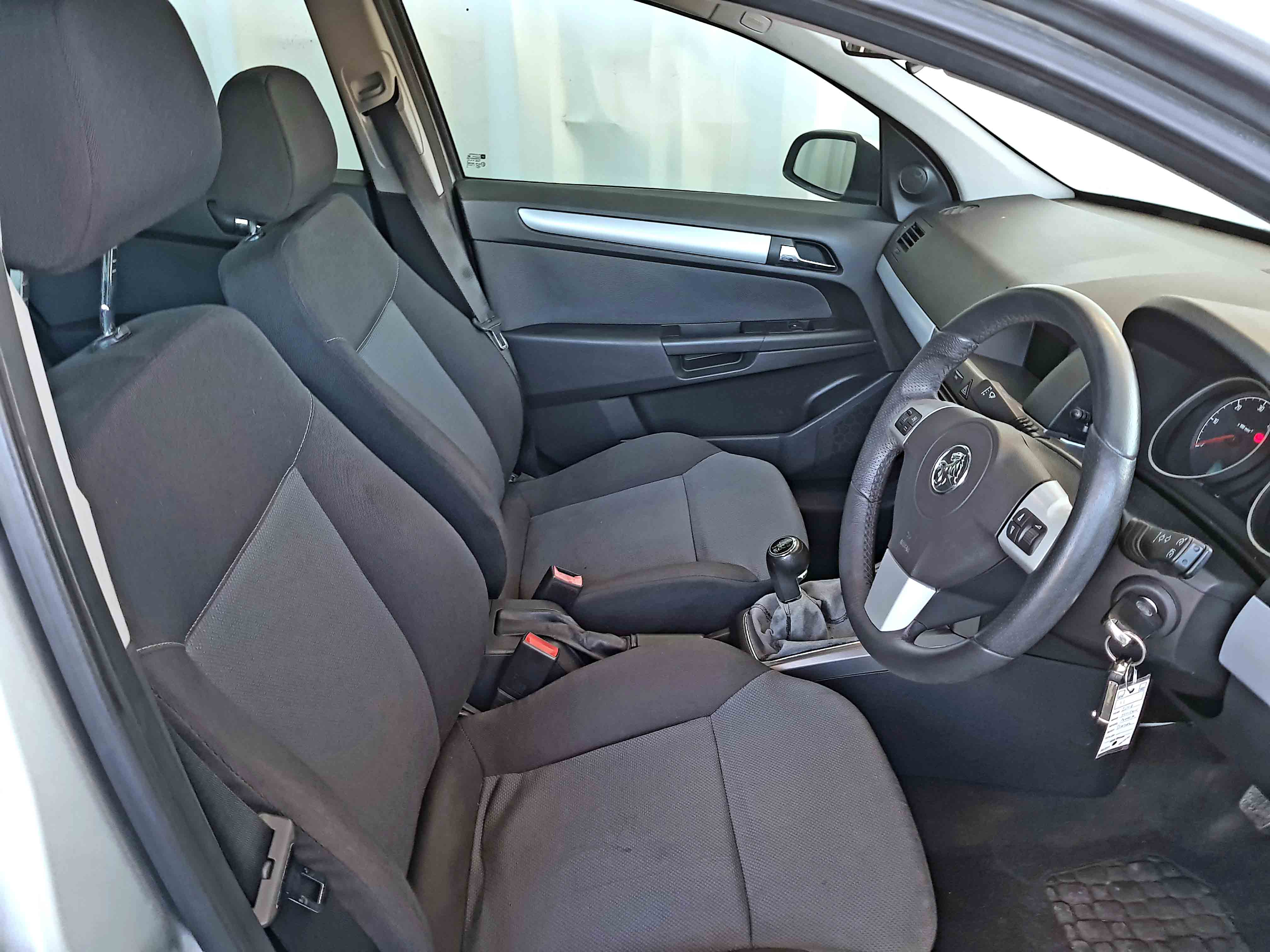Cheap-Cars-Astra-Diesel-2006-for-sale-10