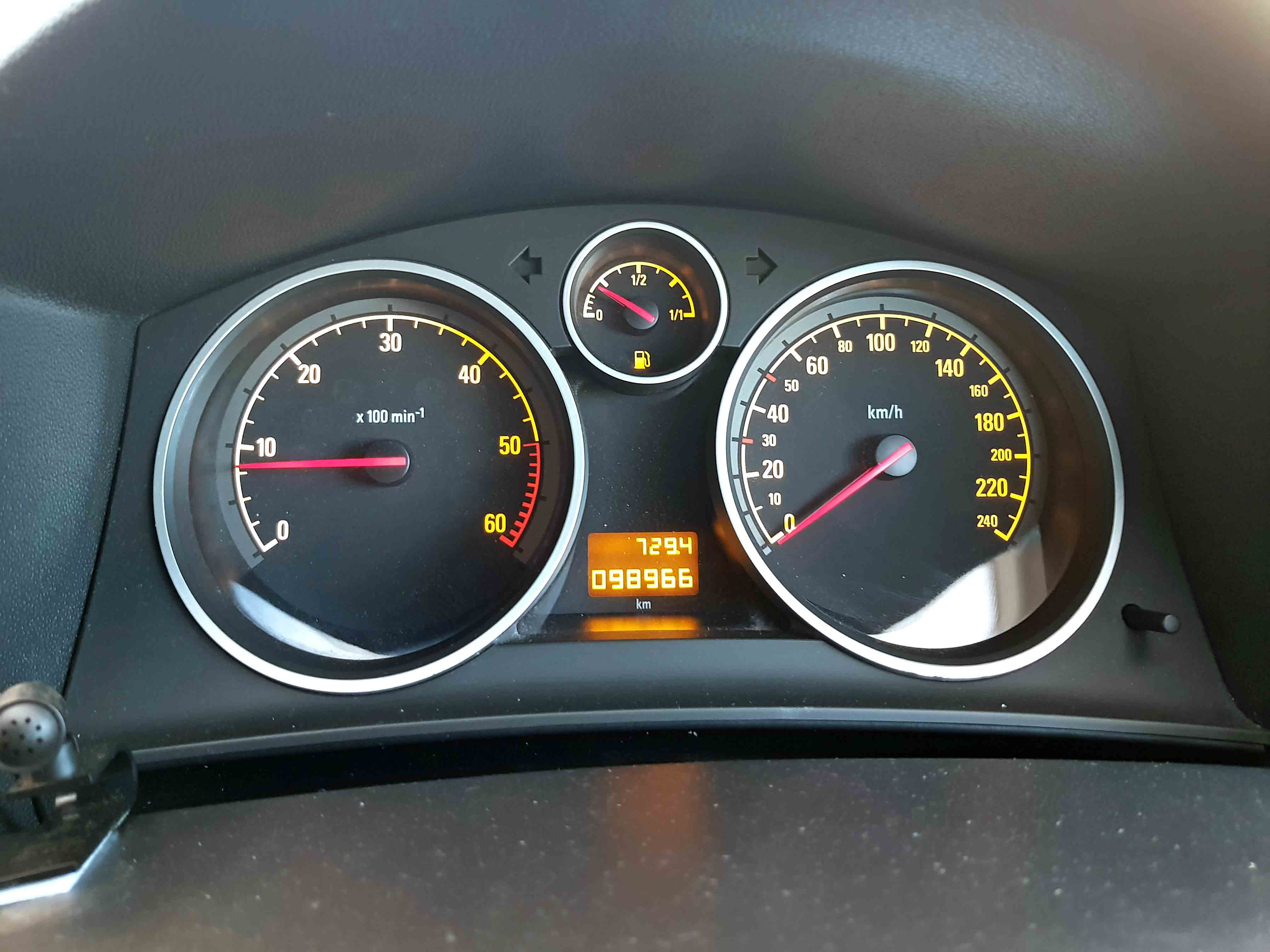 Cheap-Cars-Astra-Diesel-2006-for-sale-11