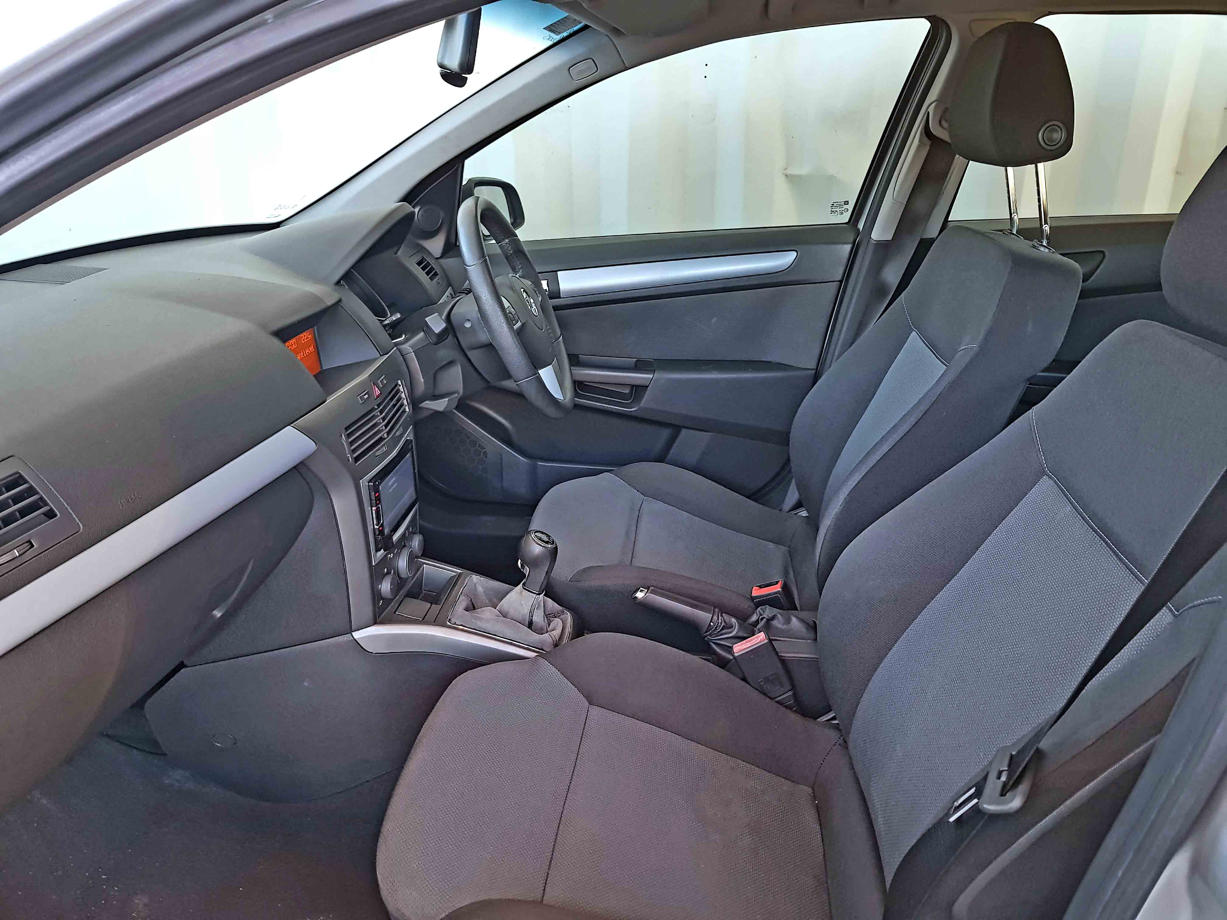 Cheap-Cars-Astra-Diesel-2006-for-sale-15