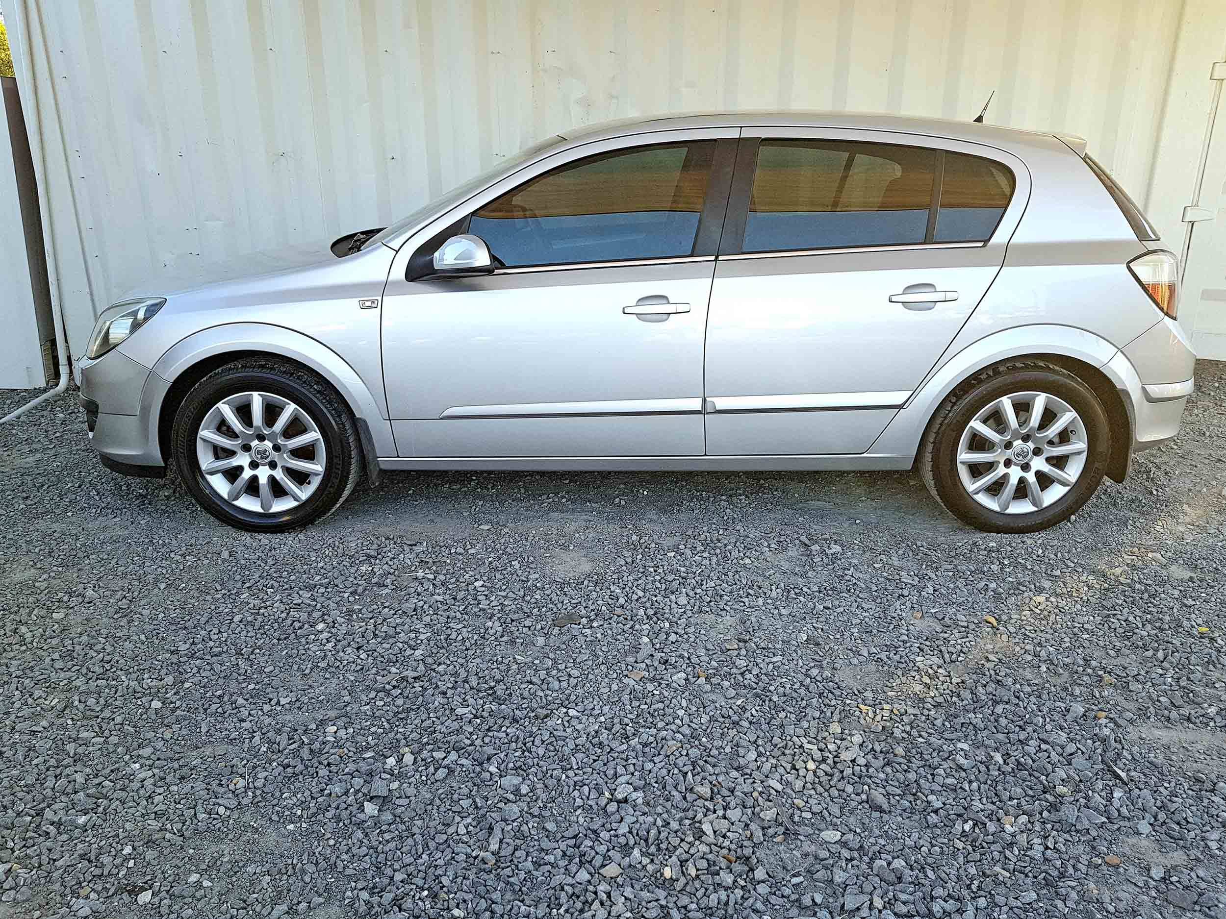 Cheap-Cars-Astra-Diesel-2006-for-sale-4