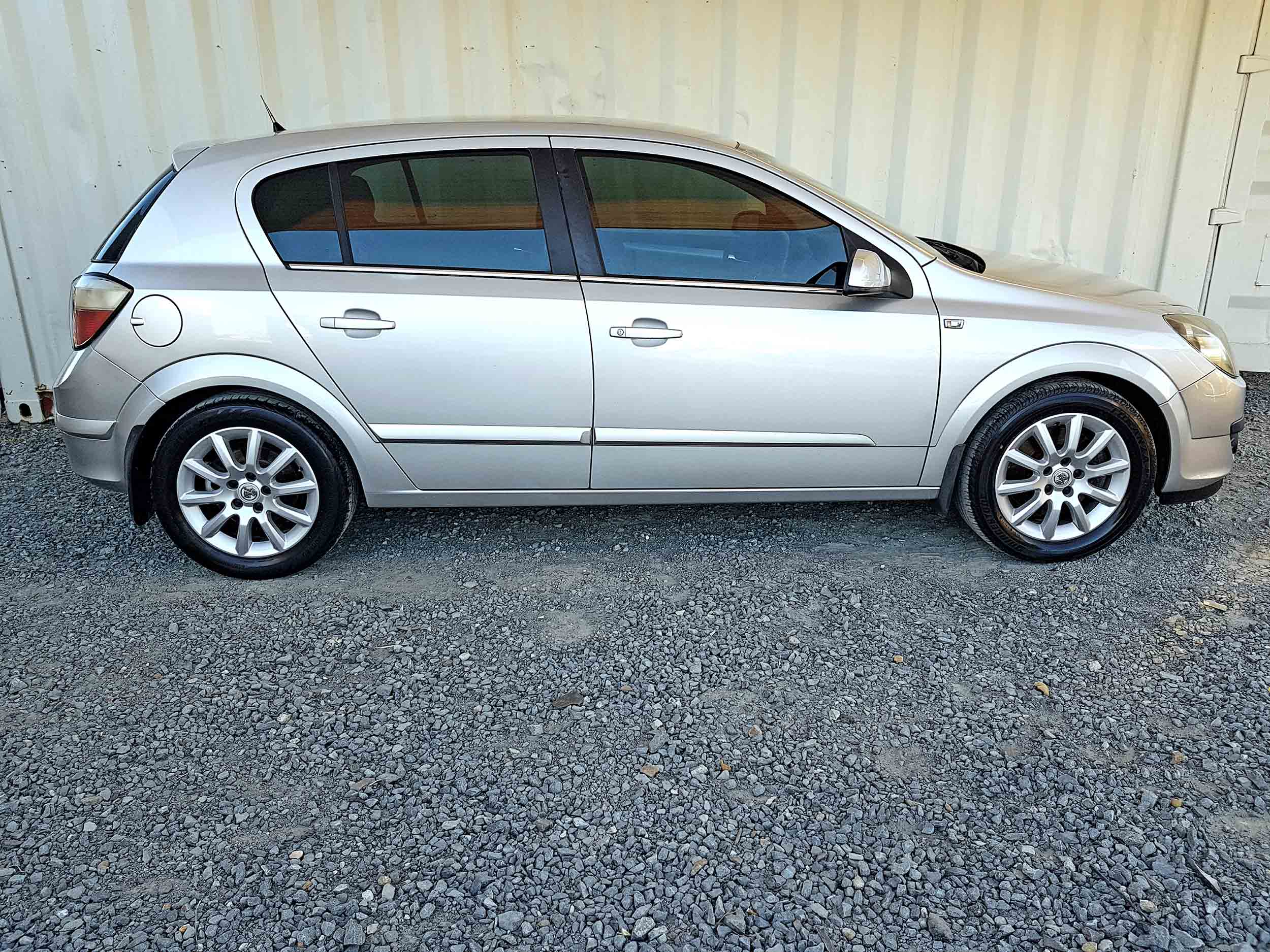Cheap-Cars-Astra-Diesel-2006-for-sale-9