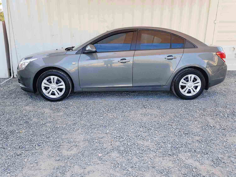 Automatic-4 cyl-Sedan-Holden-Cruze-2009-4