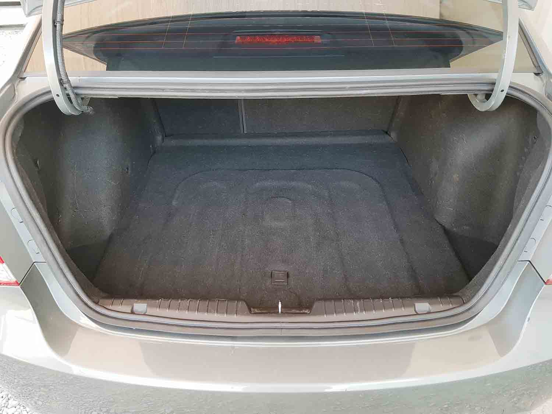 Automatic-4 cyl-Sedan-Holden-Cruze-2009-7