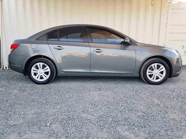 Automatic-4 cyl-Sedan-Holden-Cruze-2009-9