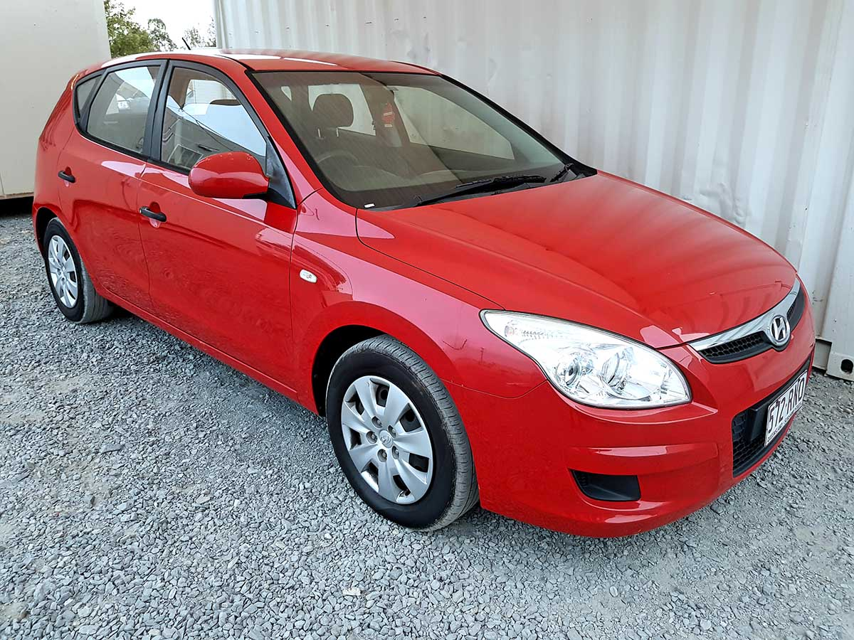 Safe & Reliable Automatic 5 Door Hatchback Hyundai I30 For Sale-1