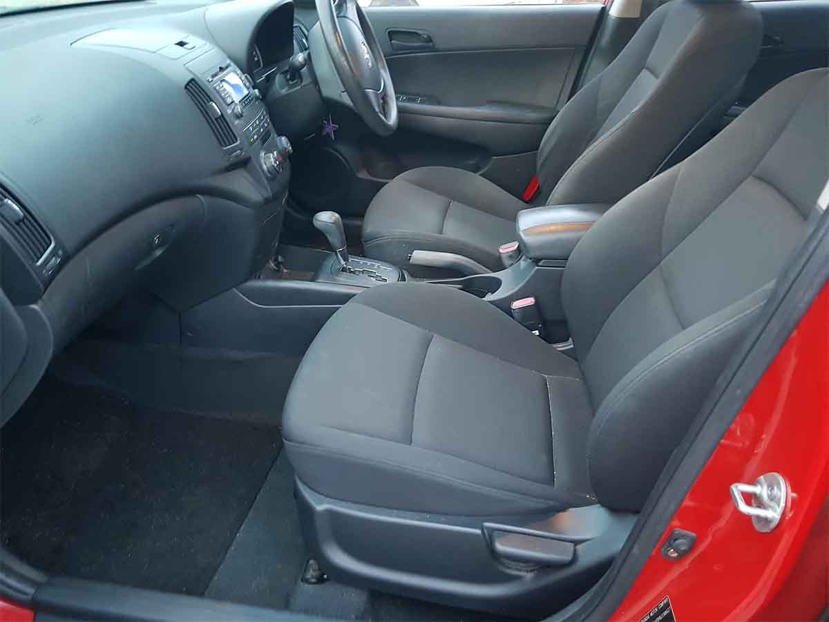 Safe & Reliable Automatic 5 Door Hatchback Hyundai I30 For Sale-18