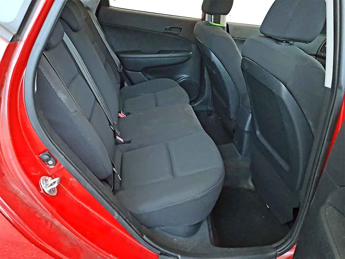 Safe & Reliable Automatic 5 Door Hatchback Hyundai I30 For Sale-19