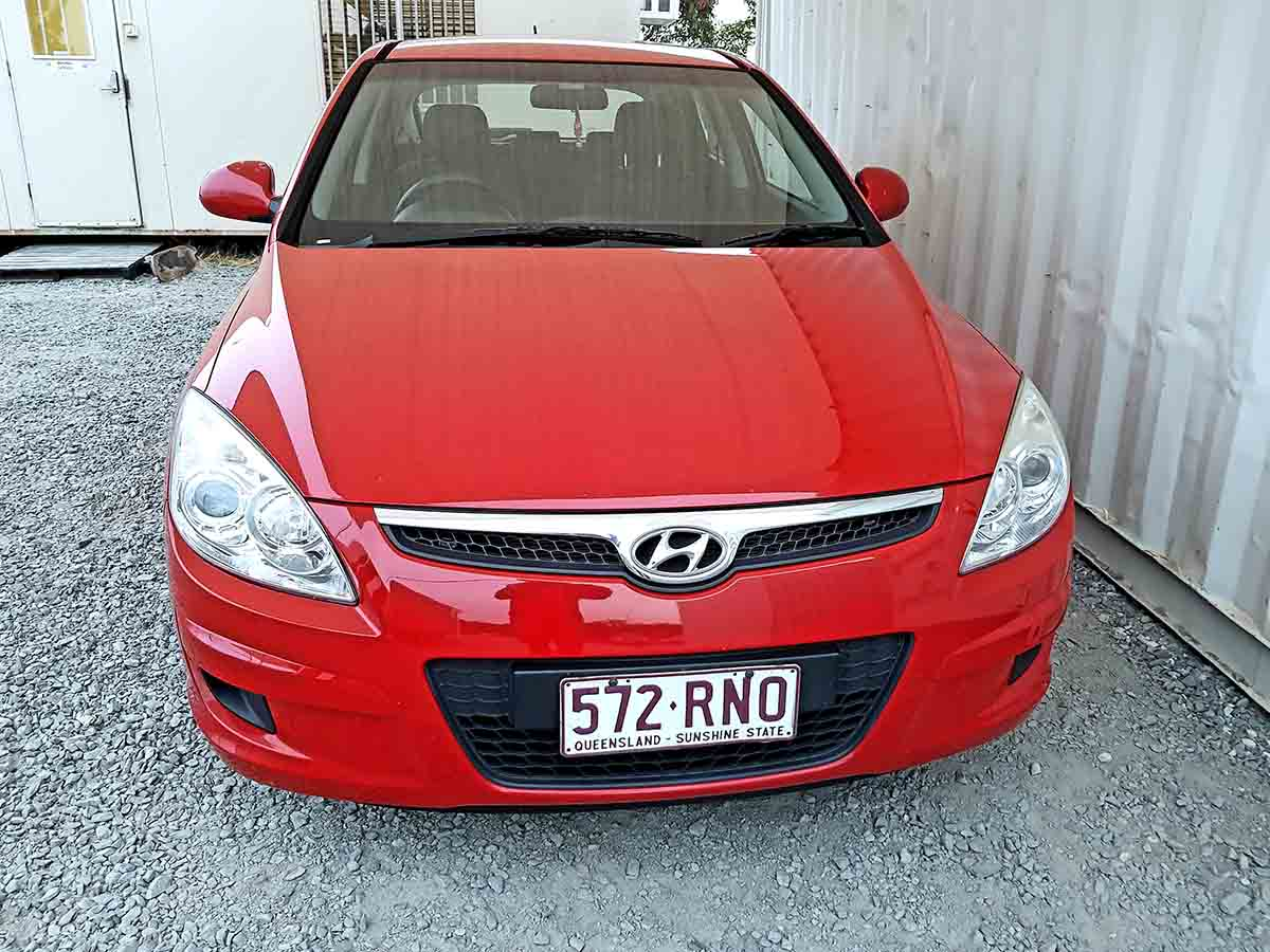 Safe & Reliable Automatic 5 Door Hatchback Hyundai I30 For Sale-2