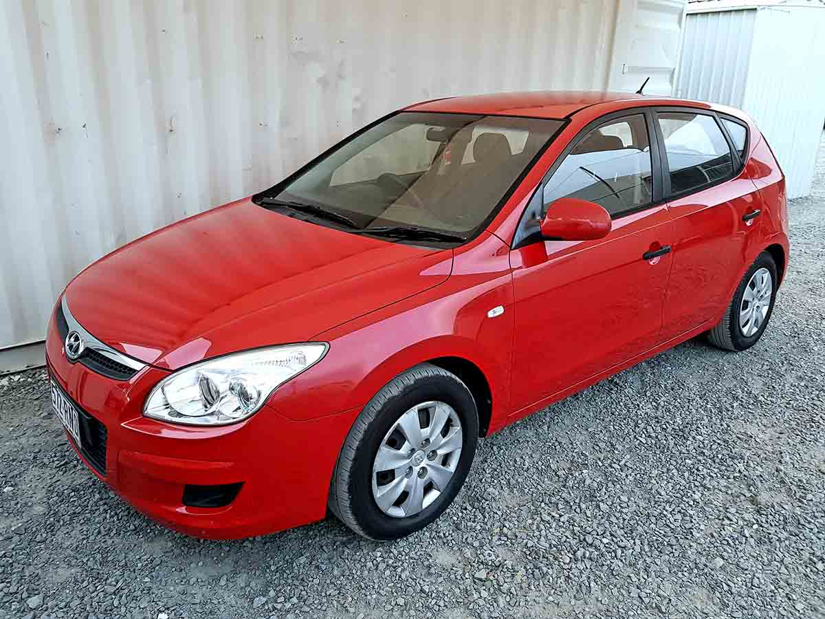 Safe & Reliable Automatic 5 Door Hatchback Hyundai I30 For Sale-3