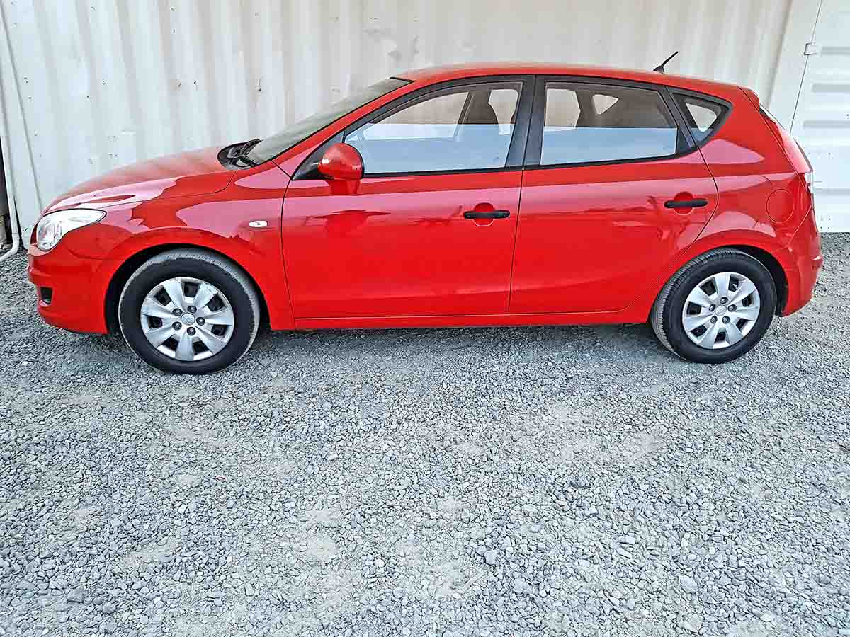 Safe & Reliable Automatic 5 Door Hatchback Hyundai I30 For Sale-4