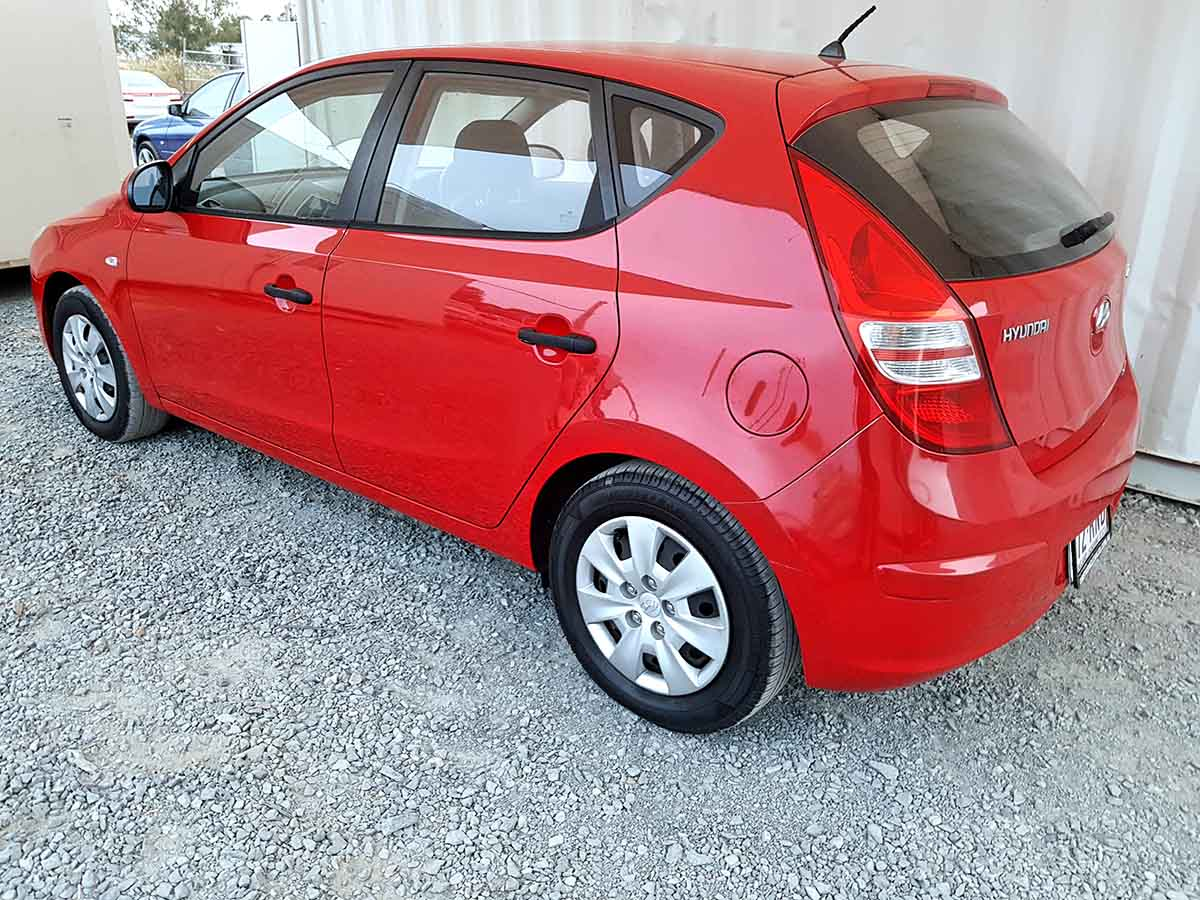 Safe & Reliable Automatic 5 Door Hatchback Hyundai I30 For Sale-5