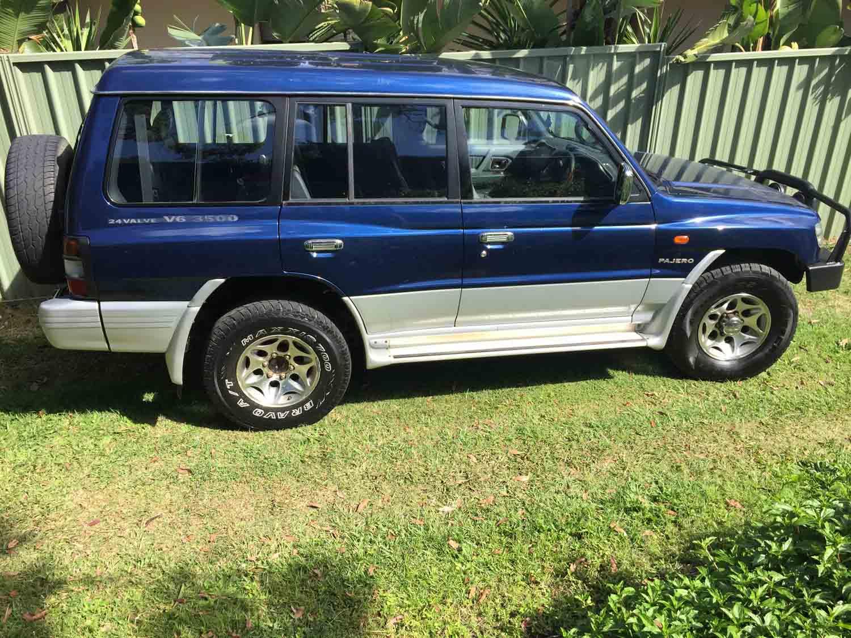 1998 Mitsubishi Pajero Blue Wagon Used Vehicle Sales