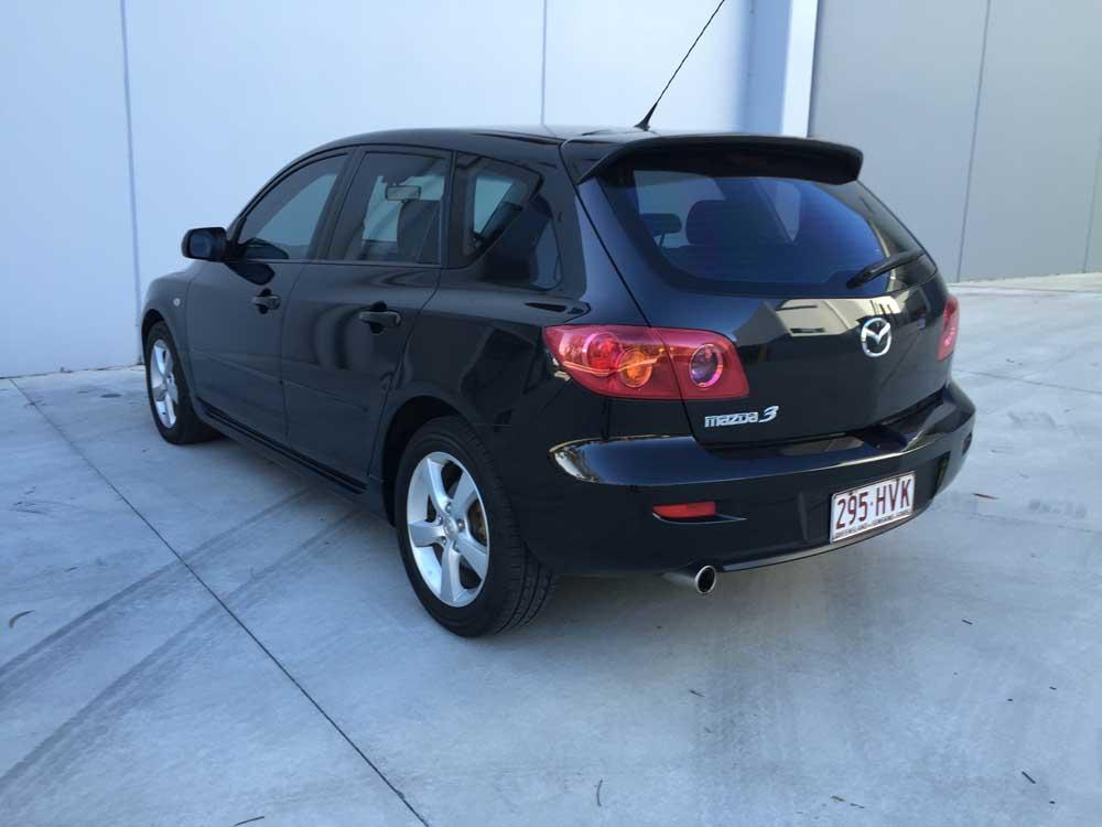 mazda 3 maxx sport hatchback 2004 black 5 used vehicle sales. Black Bedroom Furniture Sets. Home Design Ideas