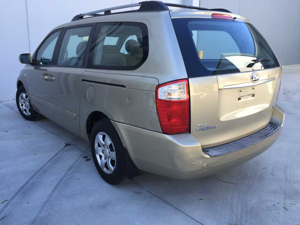 2007 Kia Carnival 8 Seater Automatic Gold Used Vehicle Sales