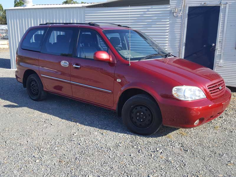 2003 Kia Carnival 7 Seat People Mover Red