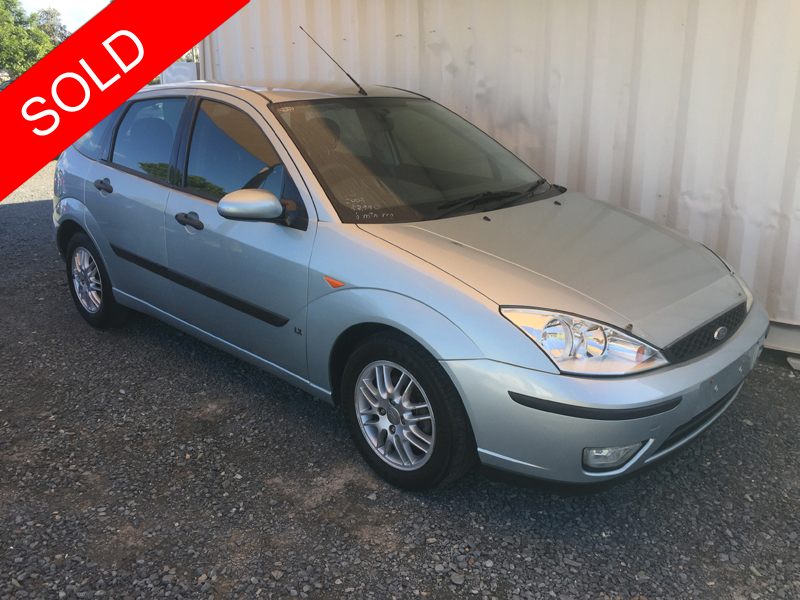 ford focus hatchback safe and reliable 2003 blue used. Black Bedroom Furniture Sets. Home Design Ideas