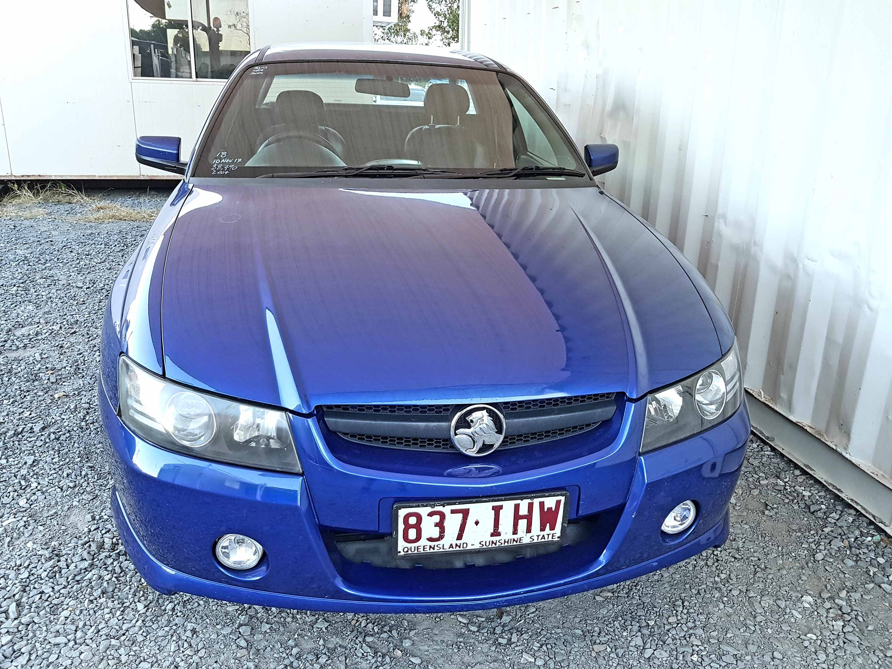 v8 ss commodore ute automatic 2004 blue used vehicle sales. Black Bedroom Furniture Sets. Home Design Ideas