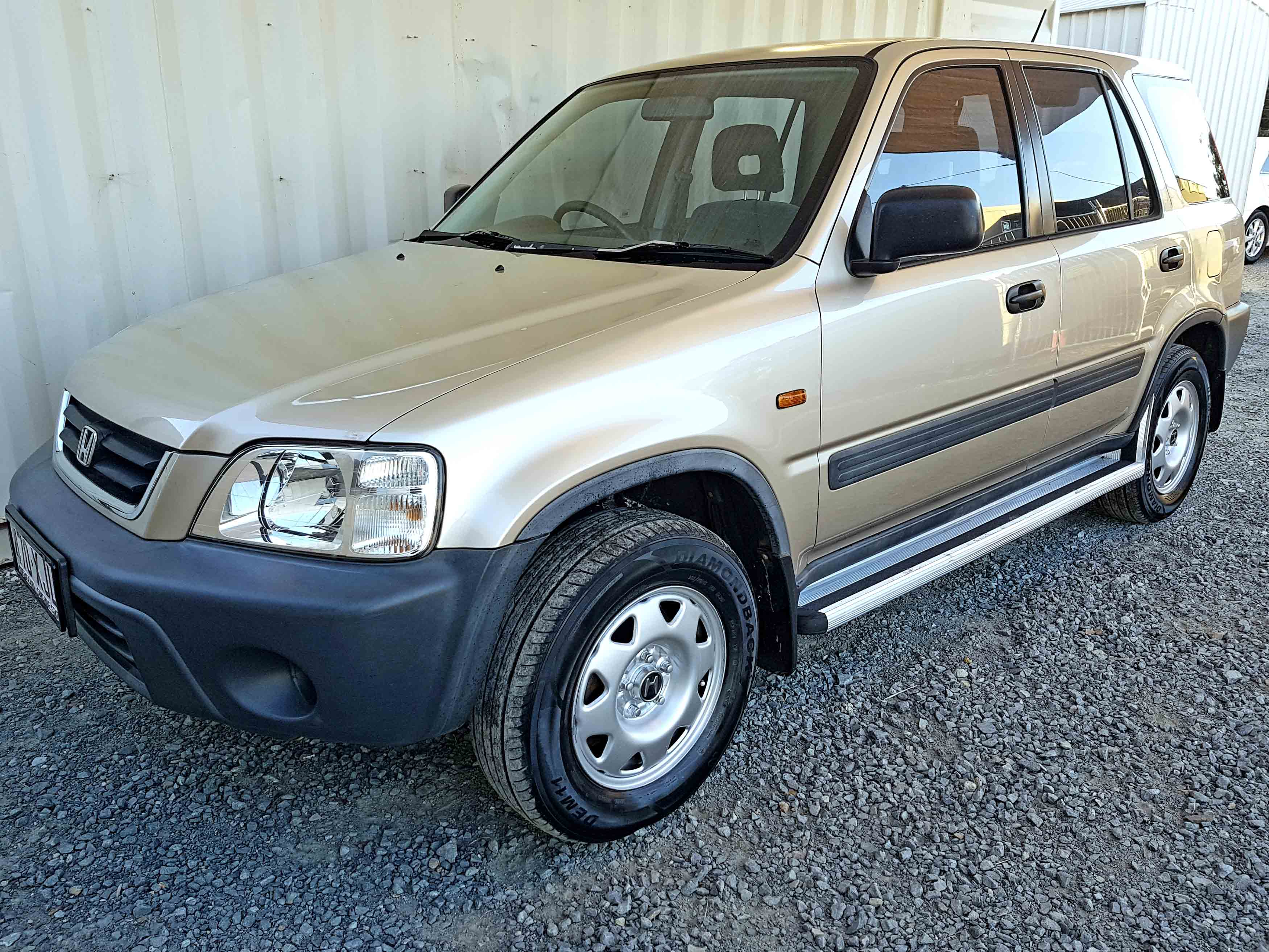 Automatic 4x4 SUV Honda CR-V Sport 2000 Gold - Used ...