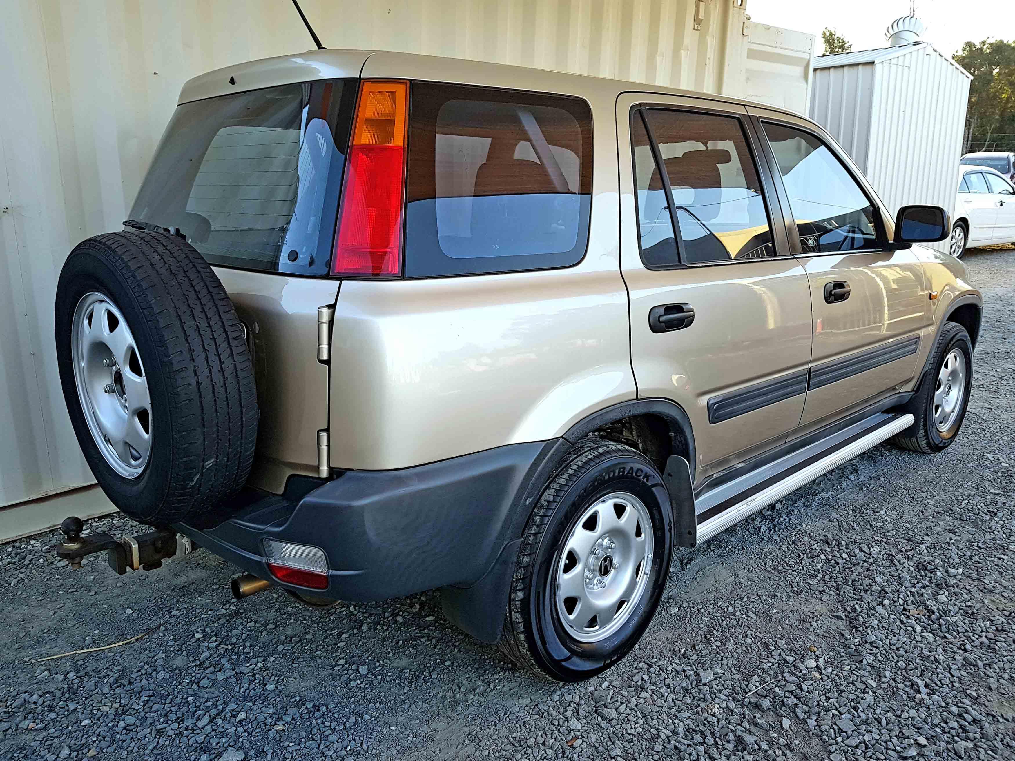 honda crv sport 2000 gold 9 used vehicle sales. Black Bedroom Furniture Sets. Home Design Ideas