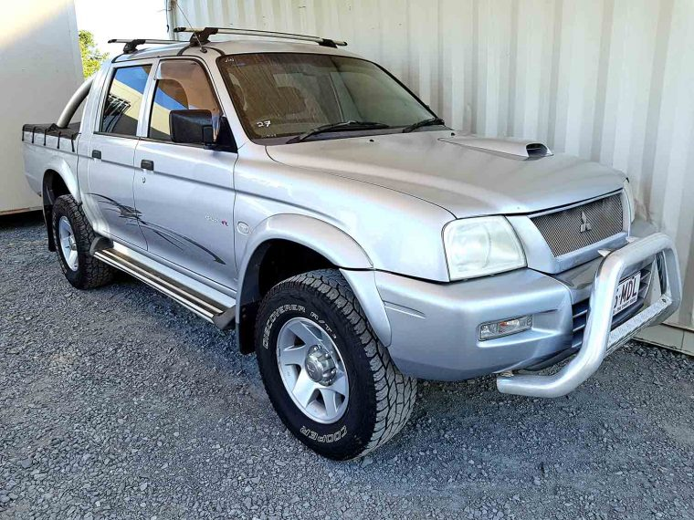 4x4 Turbo Diesel Dual Cab Mitsubishi Triton GLX-R 2005 For Sale $10,990 - Used Vehicle Sales