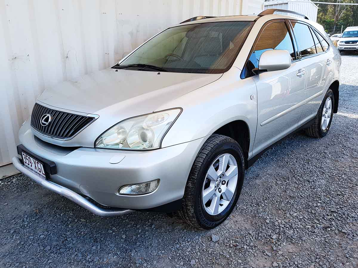 lexus rx330 2004 silver 3 used vehicle sales. Black Bedroom Furniture Sets. Home Design Ideas