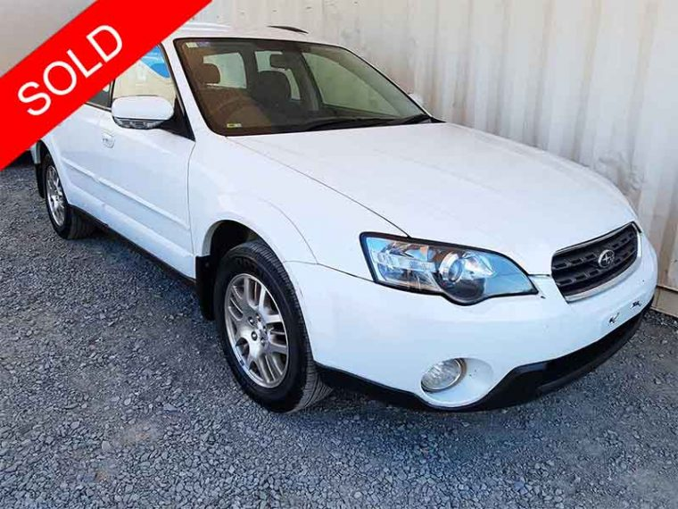 Subaru Outback AWD Wagon 2003 White For Sale-1