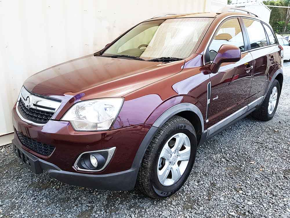 turbo diesel awd suv holden captiva 2011 red used. Black Bedroom Furniture Sets. Home Design Ideas