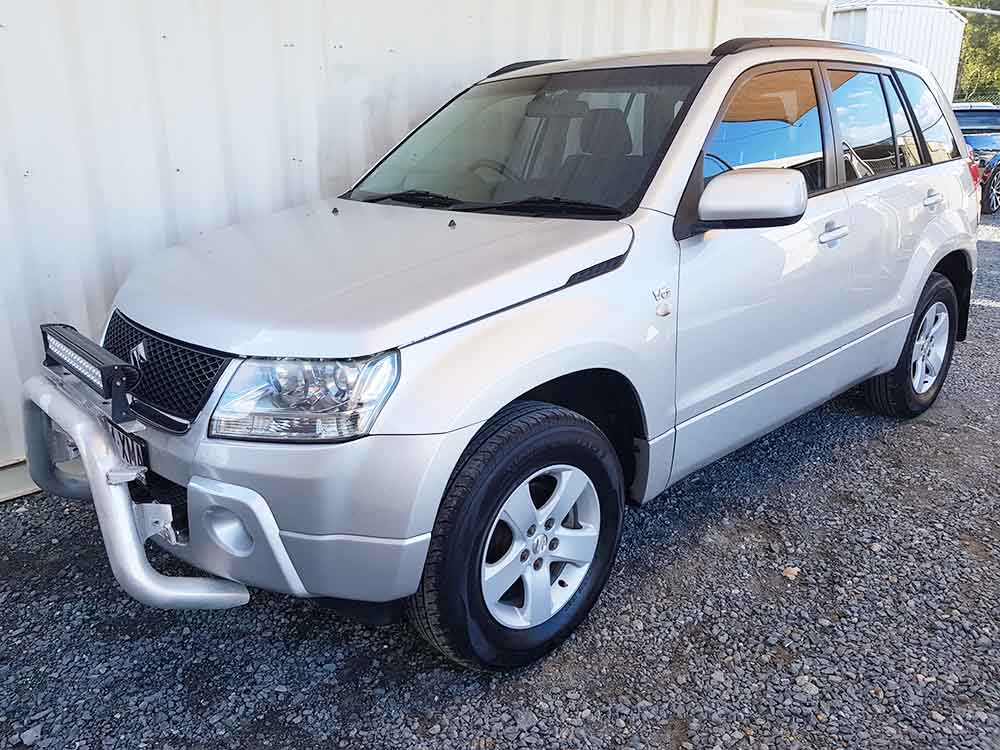 suzuki grand vitara suv 2006 silver for sale 8 490 used. Black Bedroom Furniture Sets. Home Design Ideas