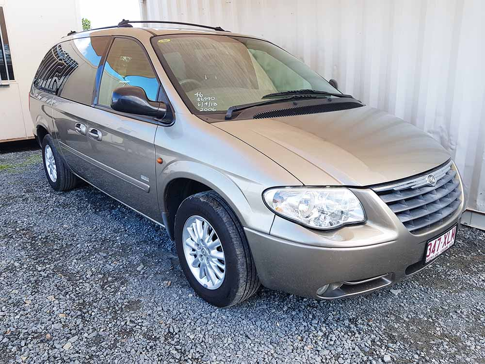 chrysler grand voyager 2006 gold used vehicle sales. Black Bedroom Furniture Sets. Home Design Ideas