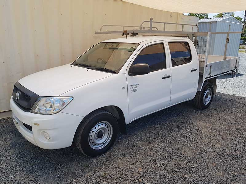 Toyota Hilux 6 Seat Dual Cab 2009 White 3 Used Vehicle Sales