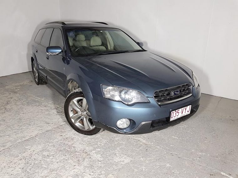 Automatic Subaru Outback AWD Wagon 2004 Blue