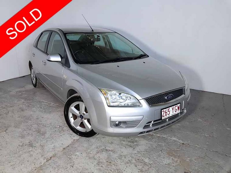 2005 Ford Focus Sedan Silver