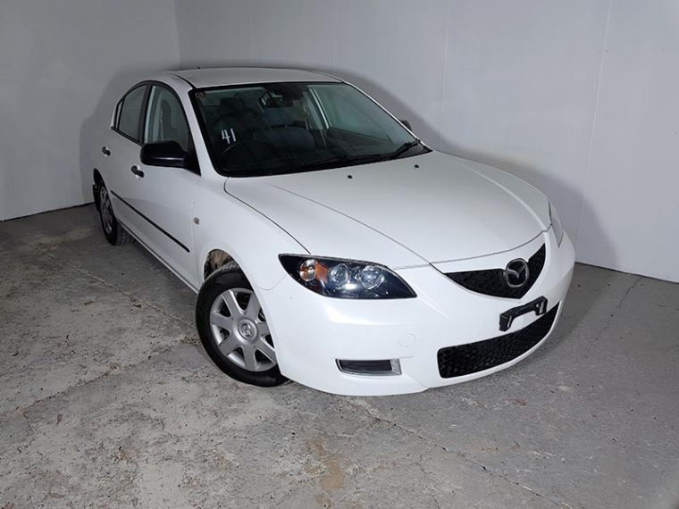 Automatic 4cyl Mazda 3 Sedan with Low KMs 2007 White