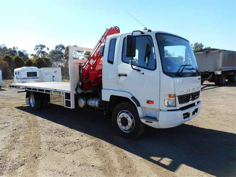 Crane Truck Mitsubishi Fuso Turbo Diesel 2012 White